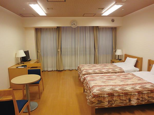 洋室 2名部屋:12畳