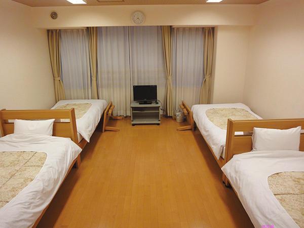 洋室 4名部屋:12畳
